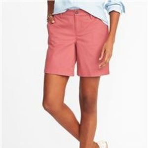 Old Navy Mid-Rise Twill Everyday Bermuda Shorts 16